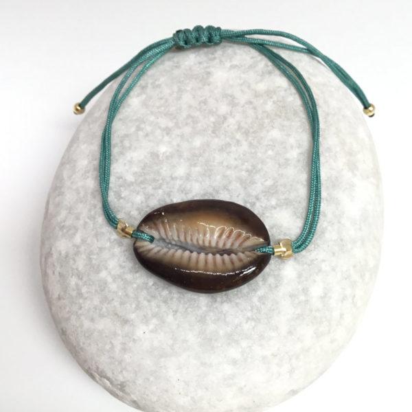 myshell-bracelets-cowrie