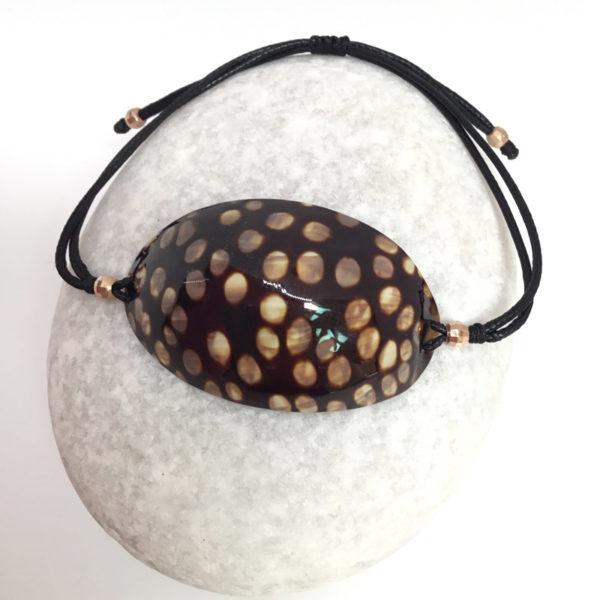 myshell-bracelets-cowrie-oval-cut